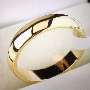 Jewelry - 4MM Stainless Steel 18k Gold Filled Ring. Size 7